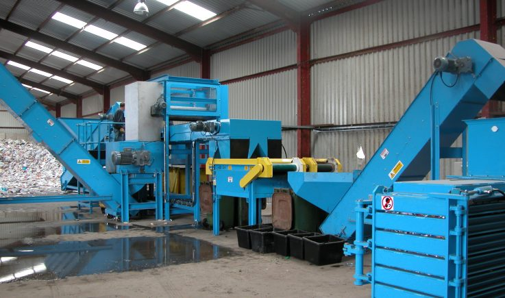Can sorting plant with hand picking belt, overband magnet and eddy current separator