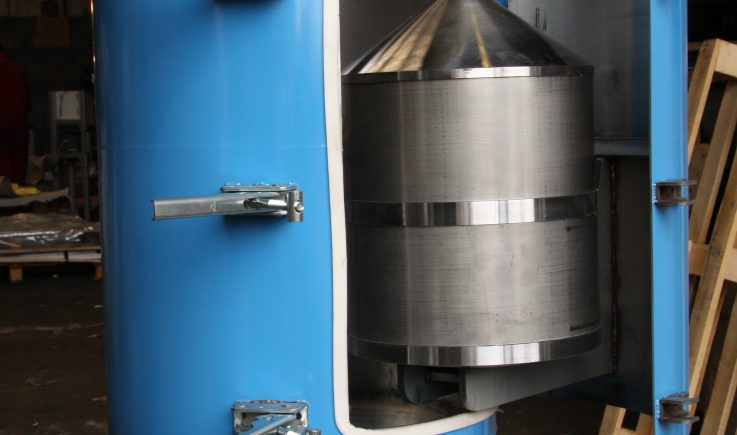 Cone magnet for in line pipe separation