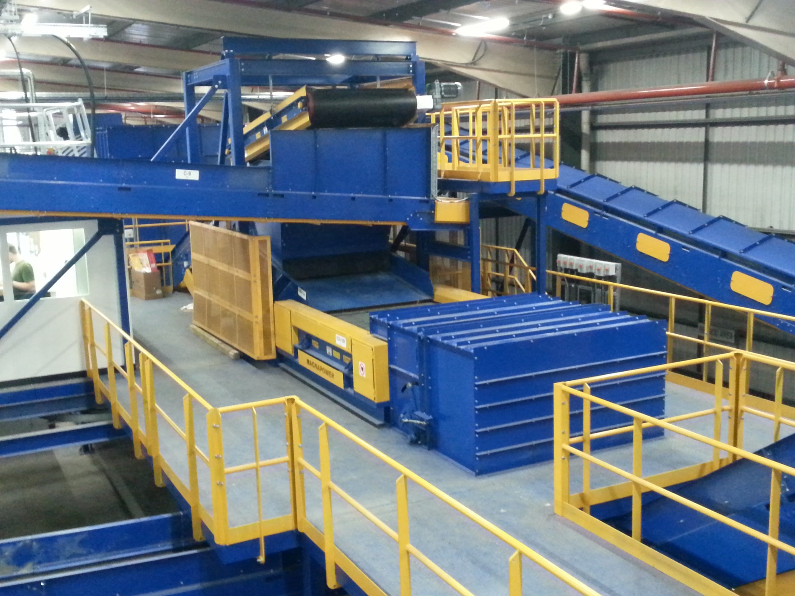 ECS 2M wide separating aluminium from household waste MSW