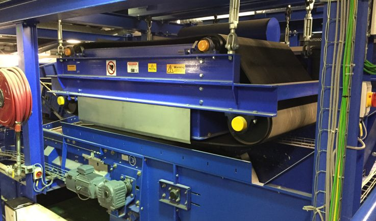Electro magnet overband in domestic waste recycling plant