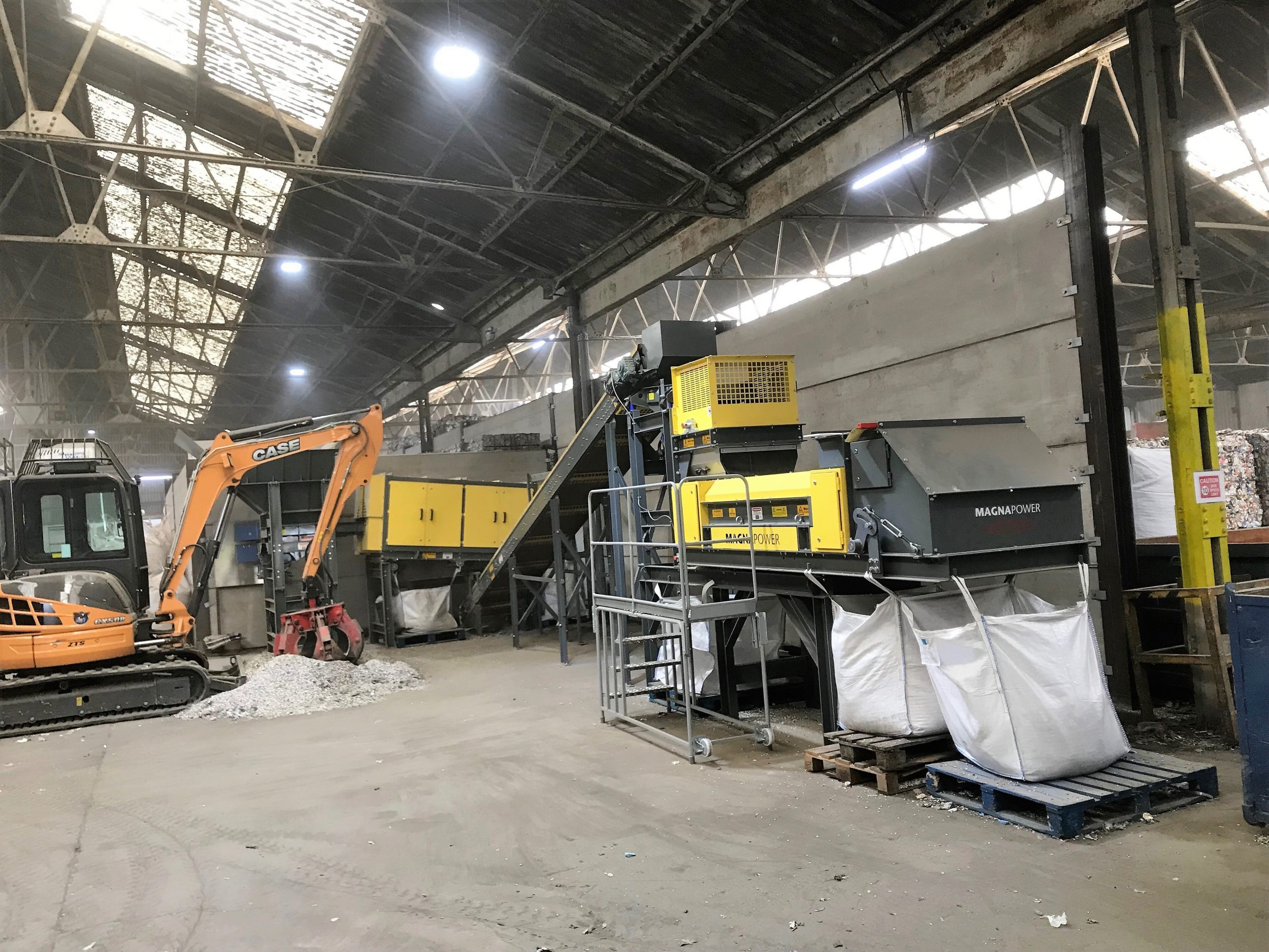 Fines sorting plant - hopper, trommel, drum magnet and ECS