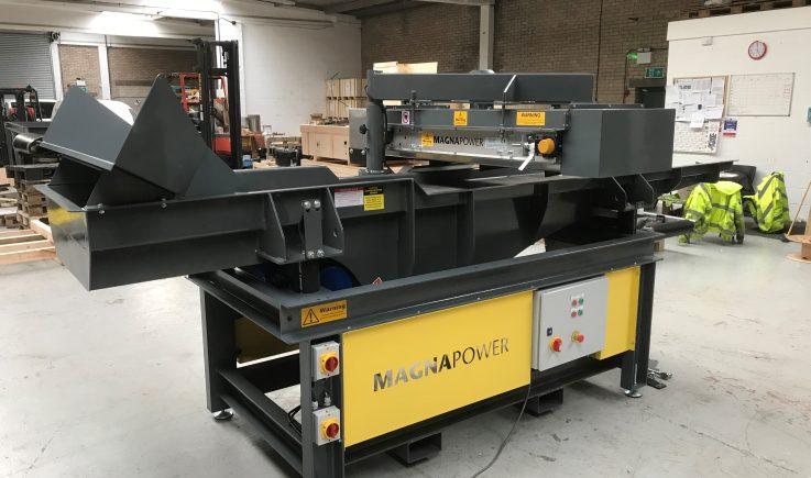 Hand picking vibratory feeder and overband