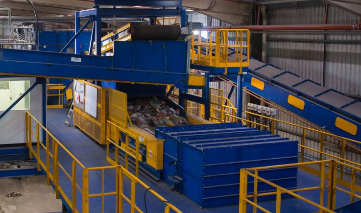 Overband magnet and Eddy Current Separator sorting steel and aluminium in MSW plant