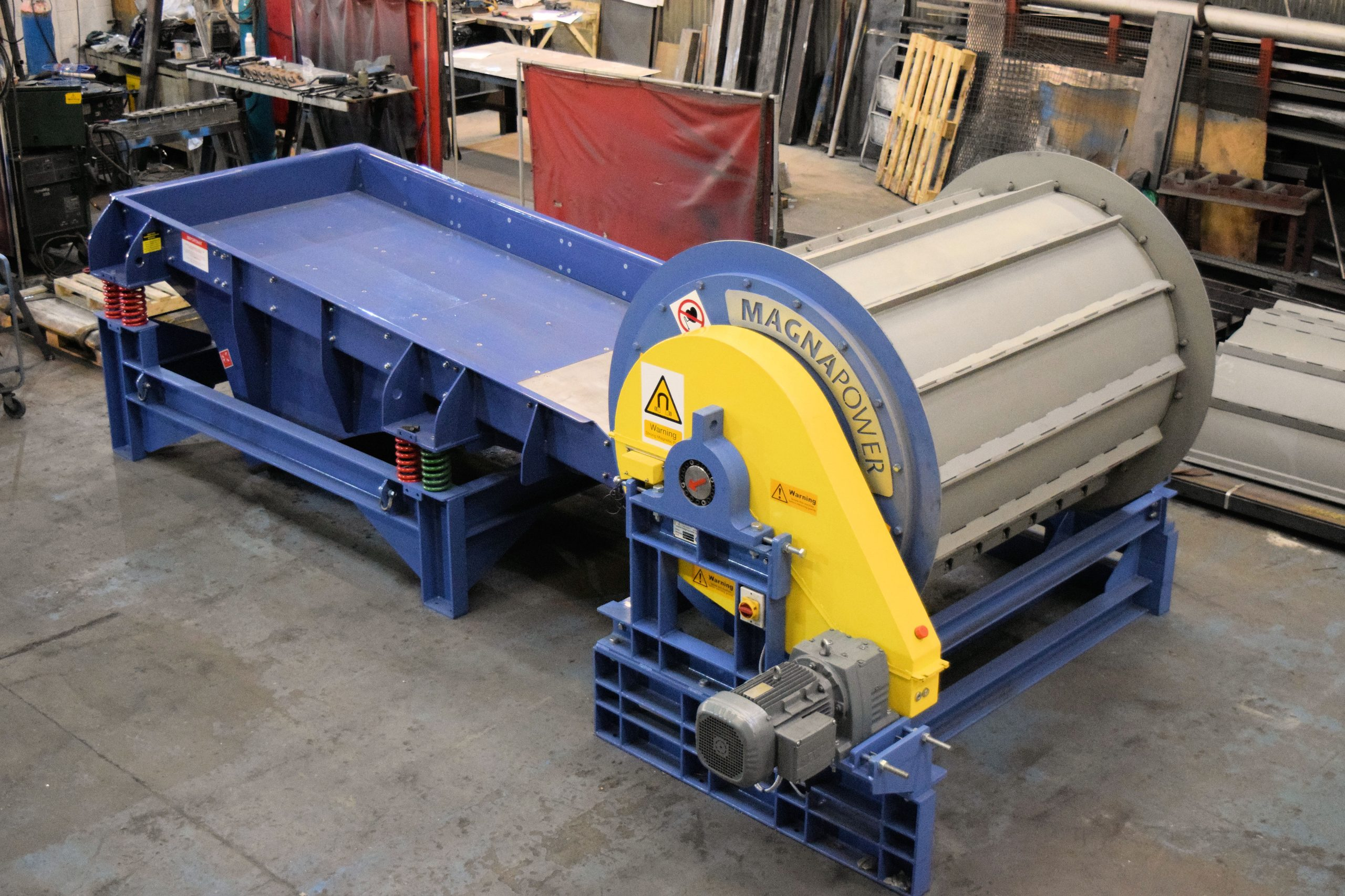 PowerFrag drum magnet with feeder prior to dispatch